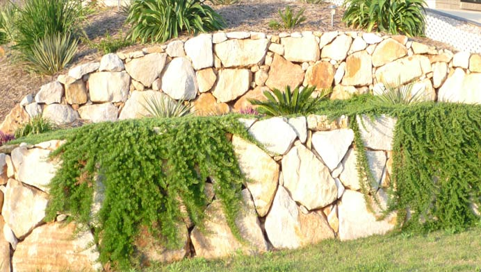 Classic Rock Walls | Retaining Walls